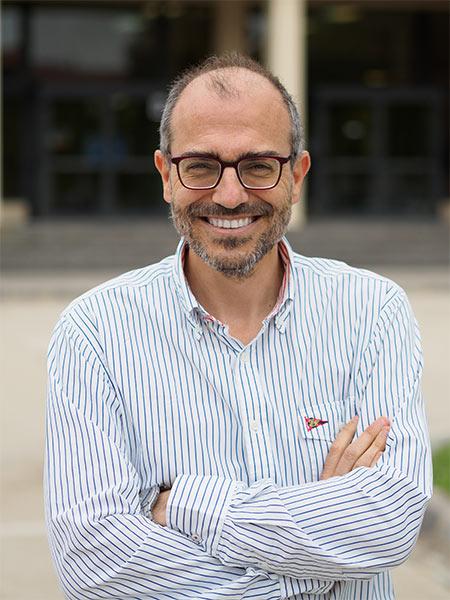 Dr. Fernando Luis